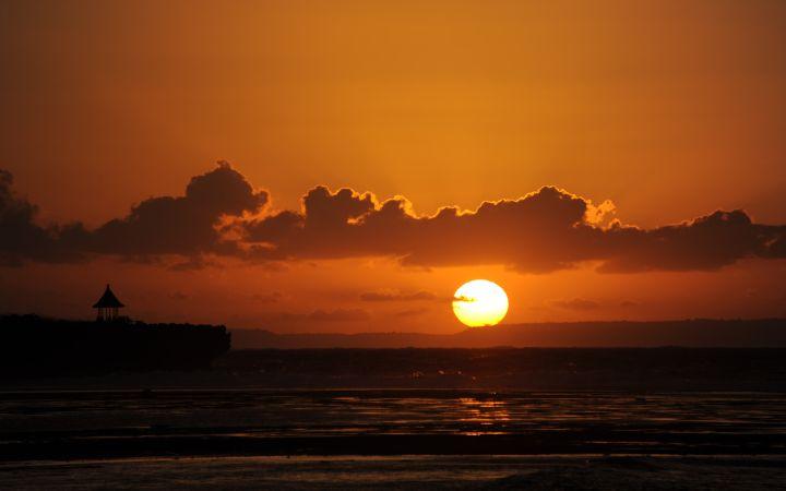 巴厘岛的日出景象