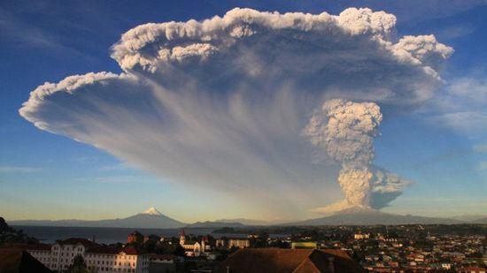 火山喷发的景象
